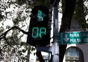 Semafor din Santiago de Chile. FOTO: ANDREI CRĂCIUN