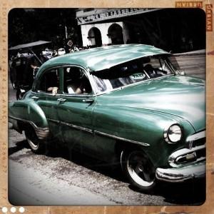 Mașină în stare de funcționare, în Havana, Cuba. FOTO: ANDREI CRĂCIUN