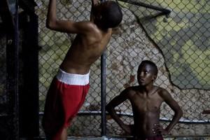 Tineri pregătindu-se să devină viitorii campioni olimpici ai Cubei la box. FOTO: www.ldbk.eu