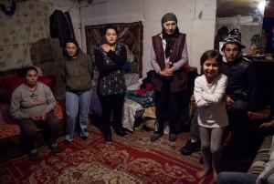 Imagine e ansamblu cu eroii poveștii noastre: prietena familiei, Sunita, bunica, Oana. Credit foto: Andrei Lupu