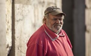 Domnul Cercl de pe Luncii, cetățean care n-a mai avut loc de muncă de douăzeci și doi de ani. Credit foto: Andrei Lupu